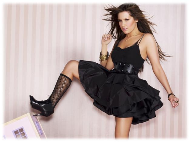Кому идет черный цвет платья