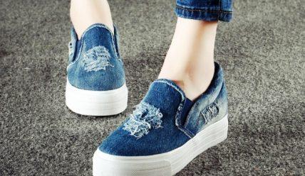 С чем носить джинсовую обувь: правила стиля