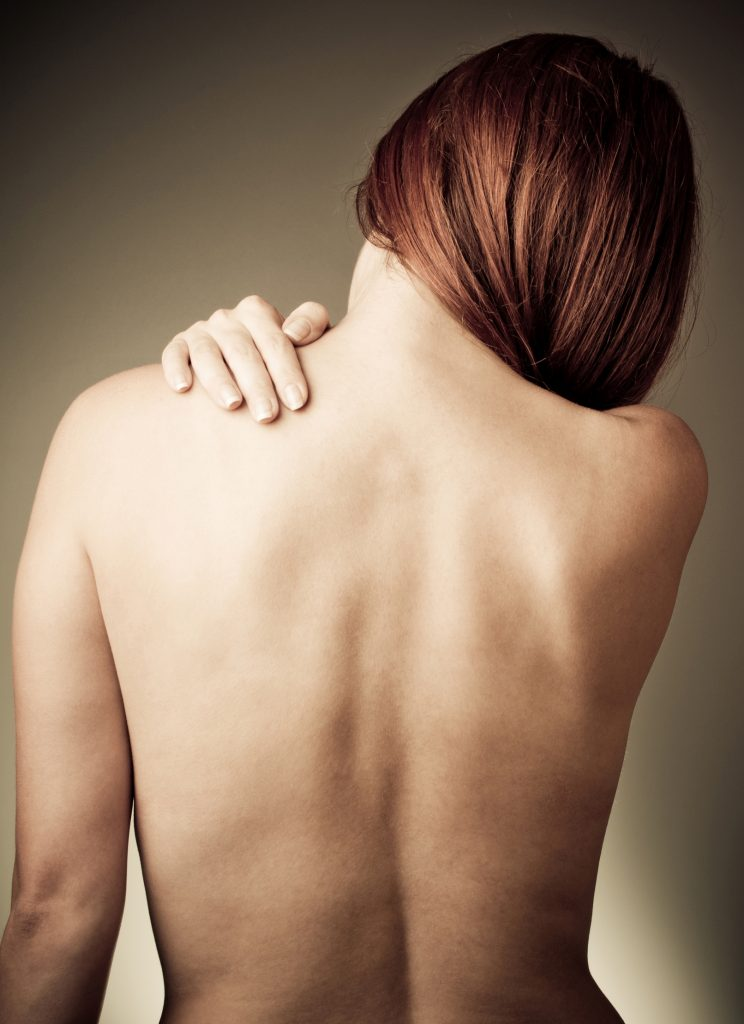 Шелушение кожи на спине