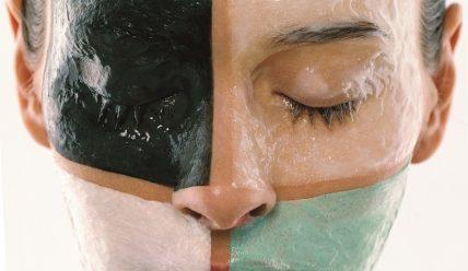 Какие маски заживят прыщи и трещины?