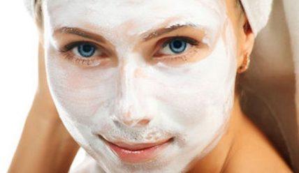 Как правильно чистить лицо содой?