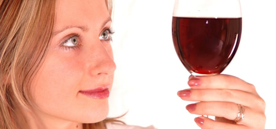 Бывают ли после алкоголя прыщи на лице?