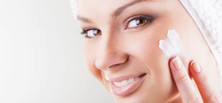Чем можно отбелить кожу на лице дома?