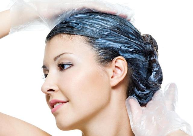 Смыть краску с волос в домашних кефиром