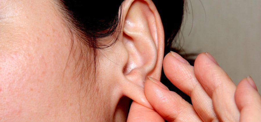 Как можно лечить прыщ на мочке уха, а как нельзя