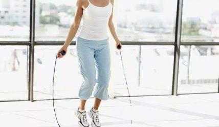 Как прыжки на скакалке помогают похудеть?