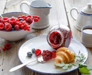 ТОП-10 полезных десертов к чаю при похудении