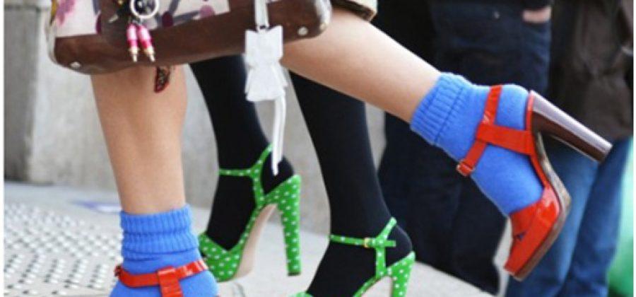 Босоножки с носками: моветон или стильная тенденция?