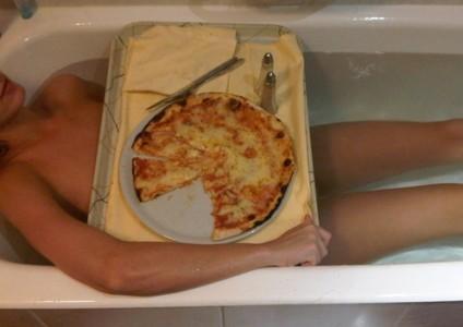 звезда кети перри с пиццей