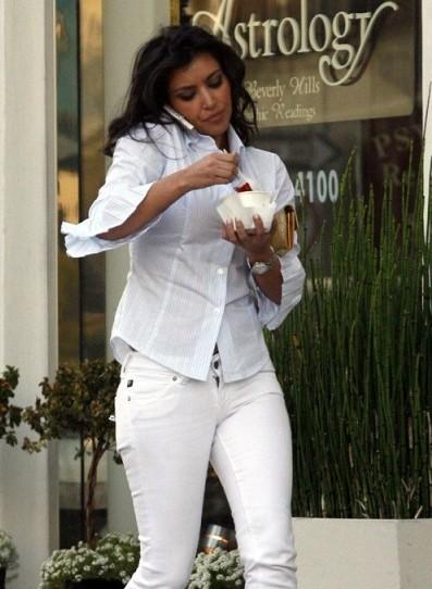Ким Кардашьян - жуткая сладкоежка!