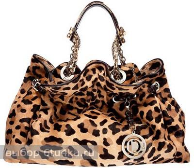 Леопардовая сумка Джессики Симпсон