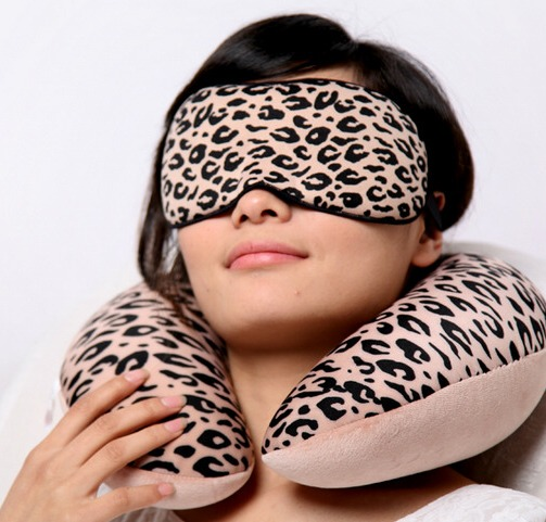зачем люди спят в маске