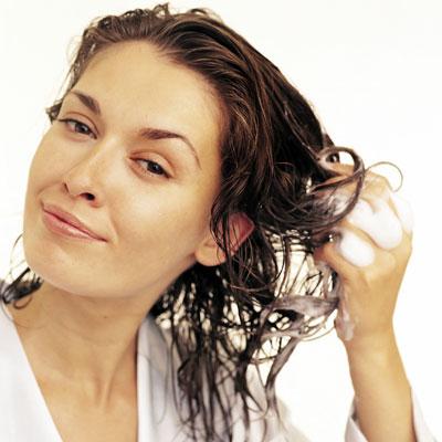 мыть голову содой