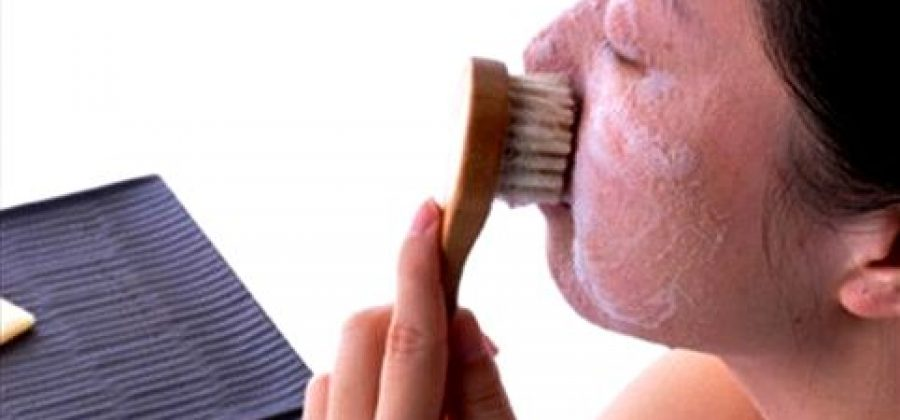 Щетка для чистки кожи лица
