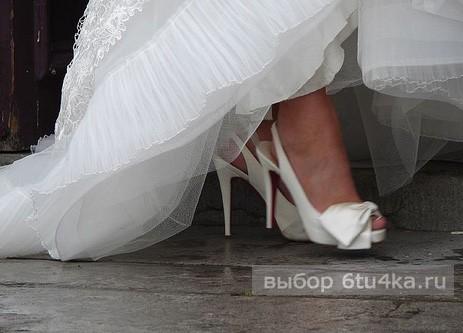 Свадебная обувь для невесты: как выбрать, что купить