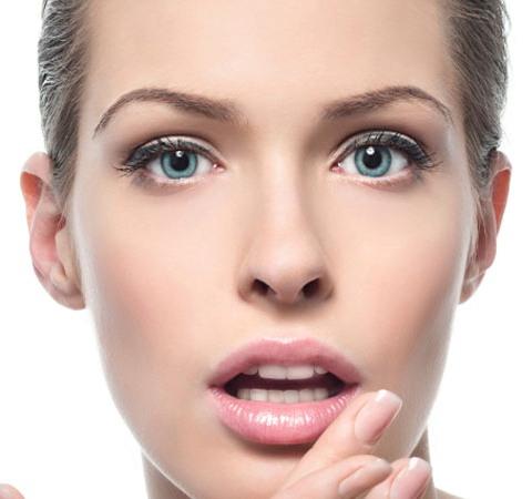 Уголки рта трескаются - почему? Как это убрать?