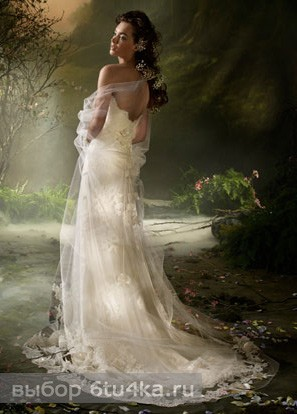 Весеннее свадебное платье с завышенной талией