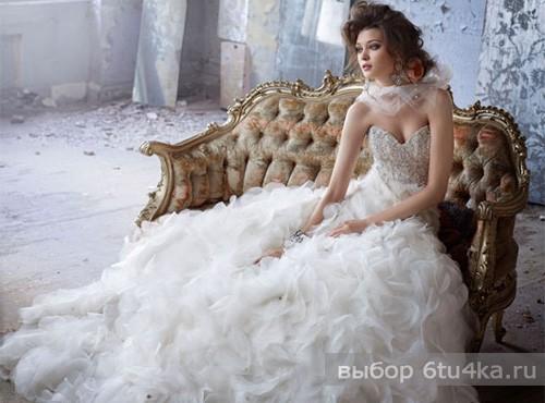 Весеннее свадебное платье с воздушной юбкой